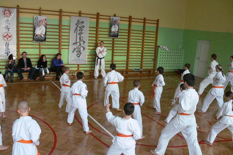 Zdjęcia z: Egzamin Karate Kyokushin  -  grudzień 2009