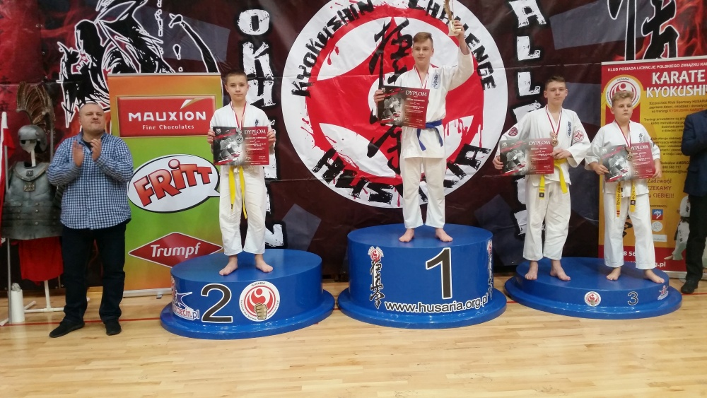 Zdjęcia z: Międzynarodowy Turniej Kyokushin Karate w Szczecinie