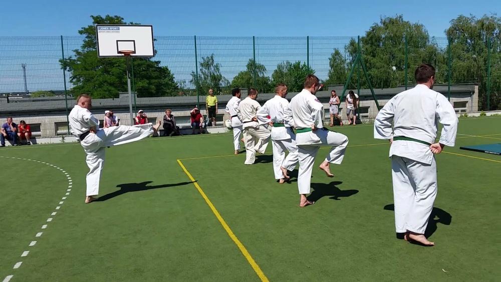 Zdjęcia z: Pokaz BKSzW na festynie ZSz 23 ul.Nakielska