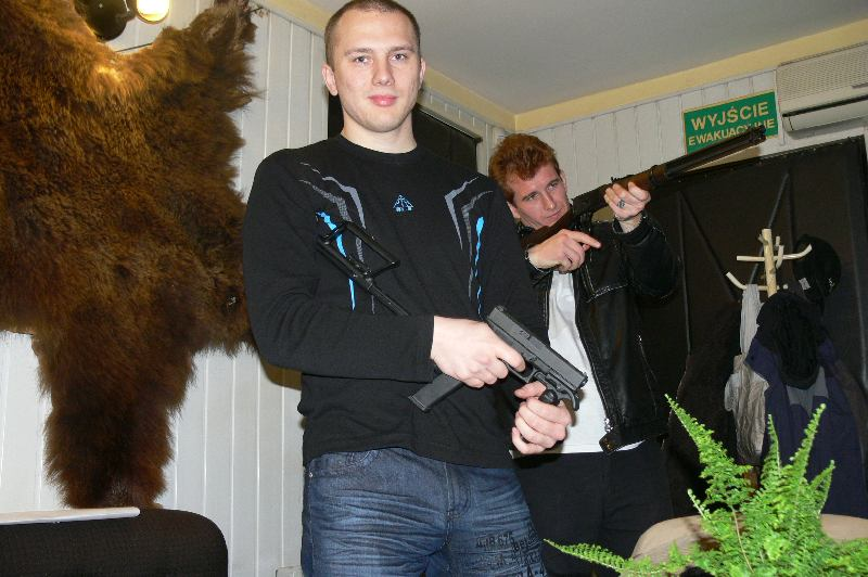 Zdjęcia z: Strzelanie z broni palnej - starcie pierwsze 23.10.2010r