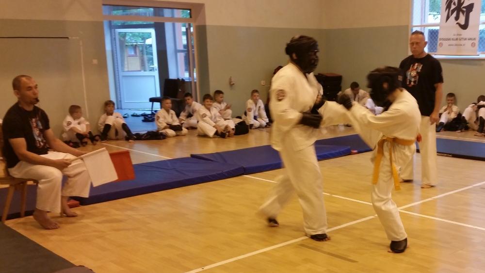Zdjęcia z: Turniej BKSzW Kyokushin Kumite oraz Najsilniejszego Obozowicza.