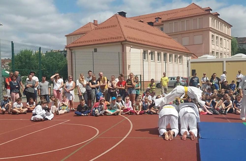 Zdjęcia z: Pokaz w SP 10 ul.Śląska