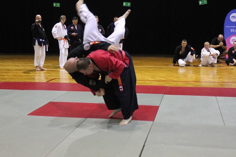 Zdjęcia z: Międzynarodowe Seminarium Sztuk i Sportów Walki 40 lat Ju Jitsu na Ziemi Konińskiej