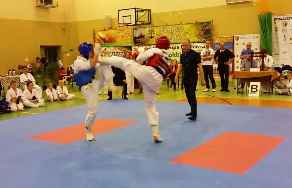 Zdjęcia z: 7.11.2015r. Oólnopolski Turniej Karate Kyokushin w Resku